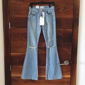 """Current Elliott """"the low bell """" jean. Size 24"""